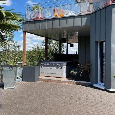 Création d'une pergola avec toit terrasse accessible